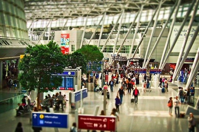 airport Michaei Gaida, Pixabay
