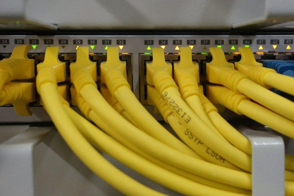 network-cables-blickpixel, Pixabay