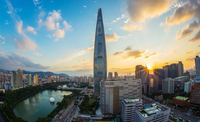 lotte-world-tower-Cmmellow-Pixabay