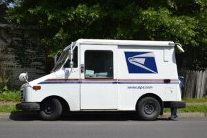mail-truck-F.Muhammad, Pixabay