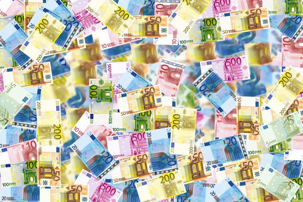 money- angelo luca iannaccone, Pixabay