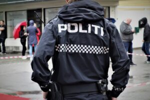 the-police-Norway Daniel DeNiazi, Pixabay
